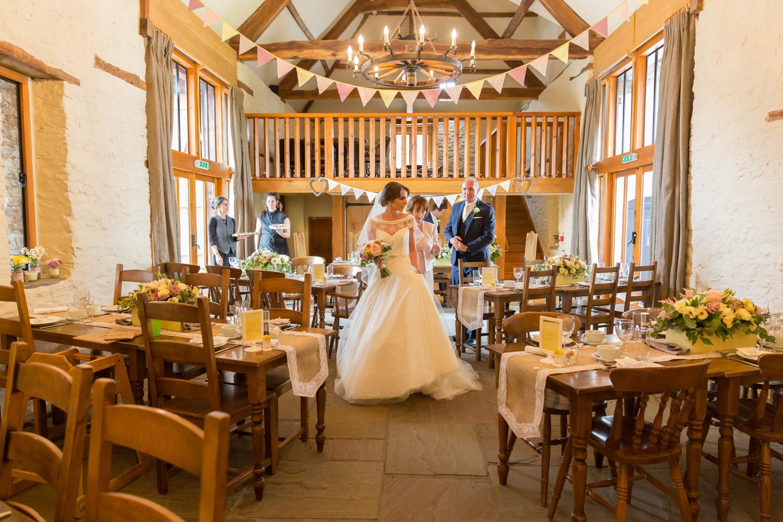barn-brynich-wedding-photographer-brecon-wales-064.jpg