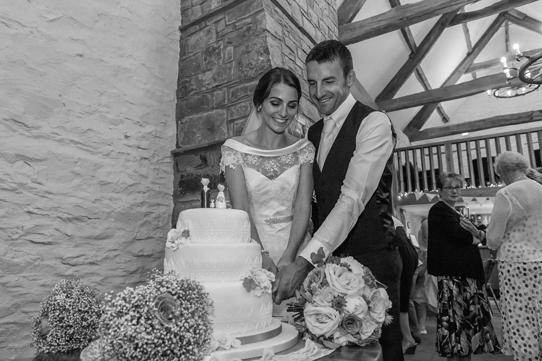 barn-brynich-wedding-photographer-brecon-wales-146.jpg