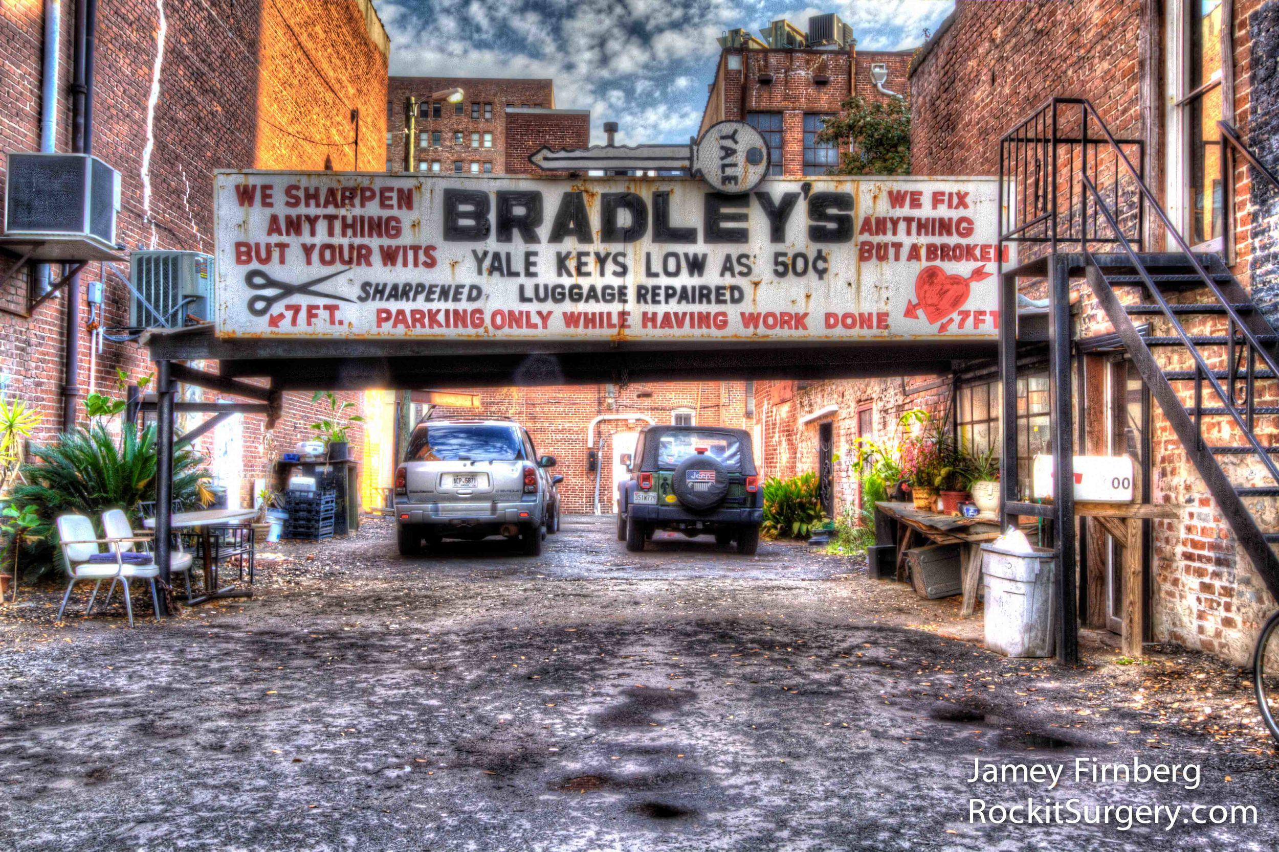Bradley's Locksmith Parking.jpg