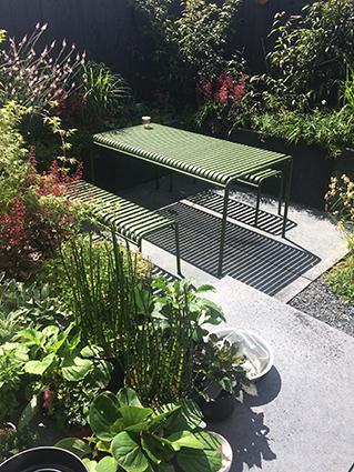 black garden terras 2.jpg