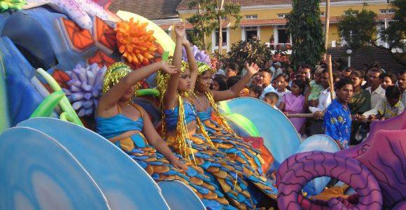 Lively dance performances in the carnival