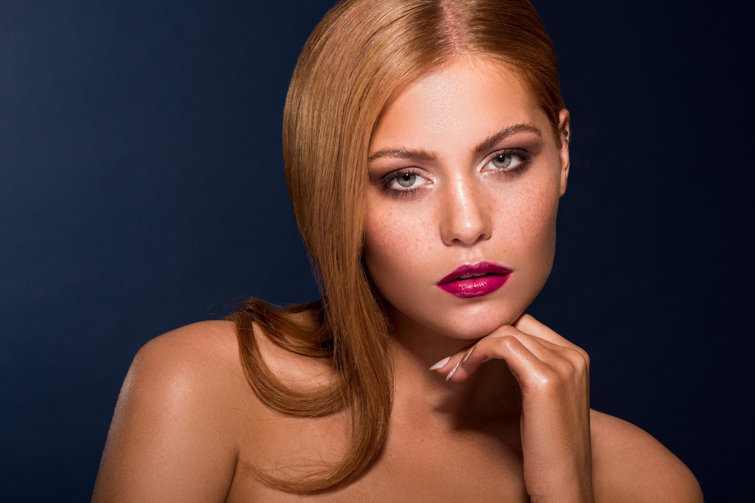 Classic Redhead Beauty Nicole Whittaker