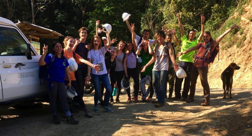 Figura 1.  Grupo de voluntarios de la Universidad Pepperdine. Fotografía de Nathaniel Scrimshaw. Febrero 2018.