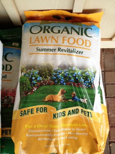 Espoma Summer Revitalizer has chelated iron and a bit of organic fertilizer, perfect to green up your lawn in summer.