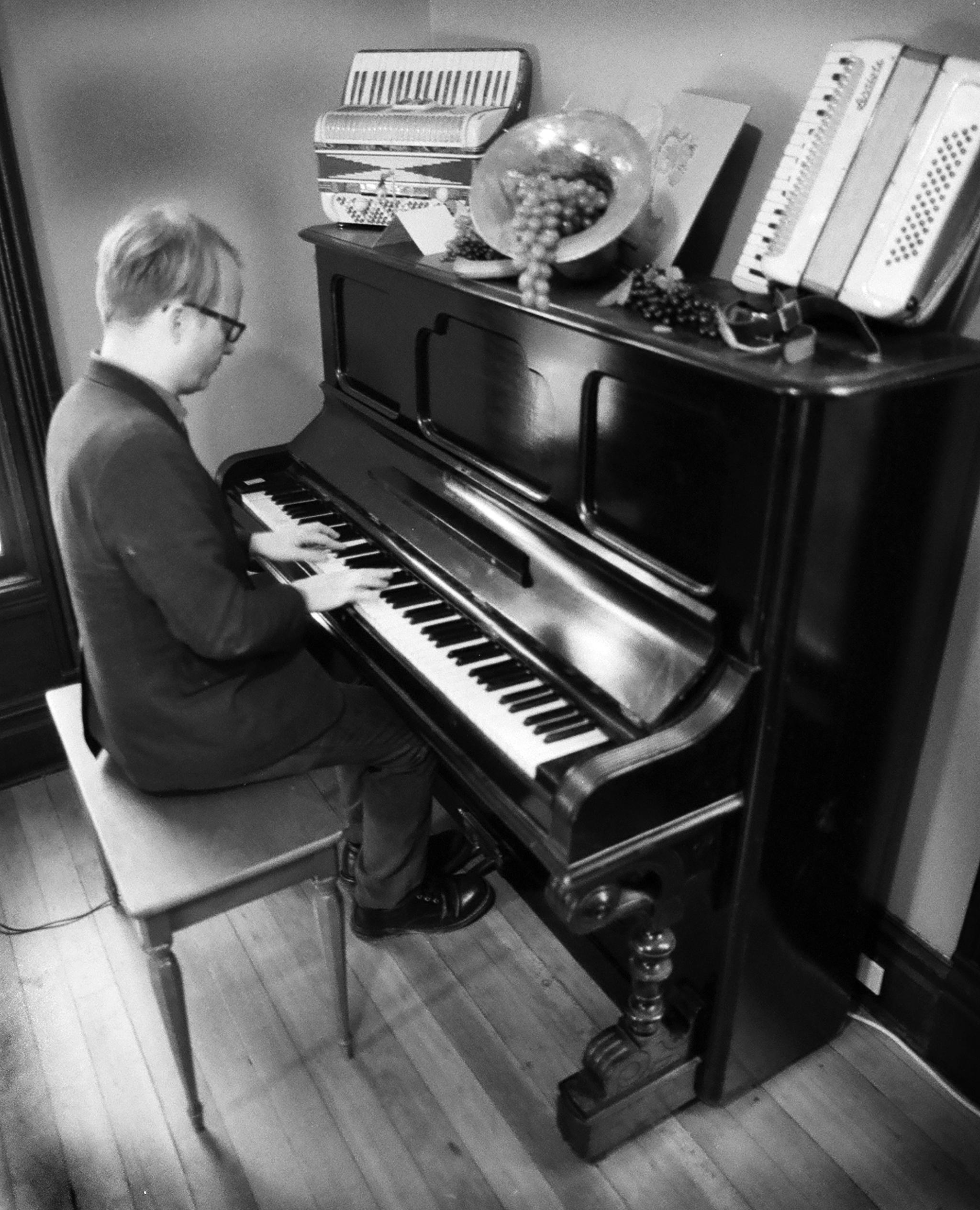 Nick Jaina Piano.jpg