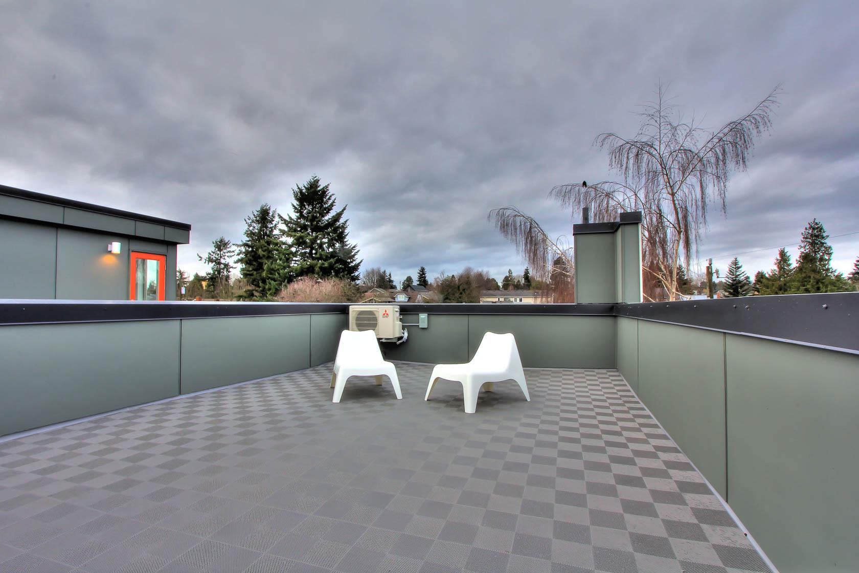 Roof Deck 01.jpg