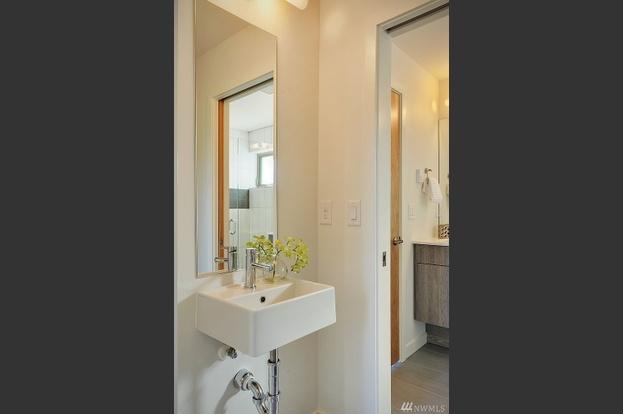 12. Bathroom.jpg