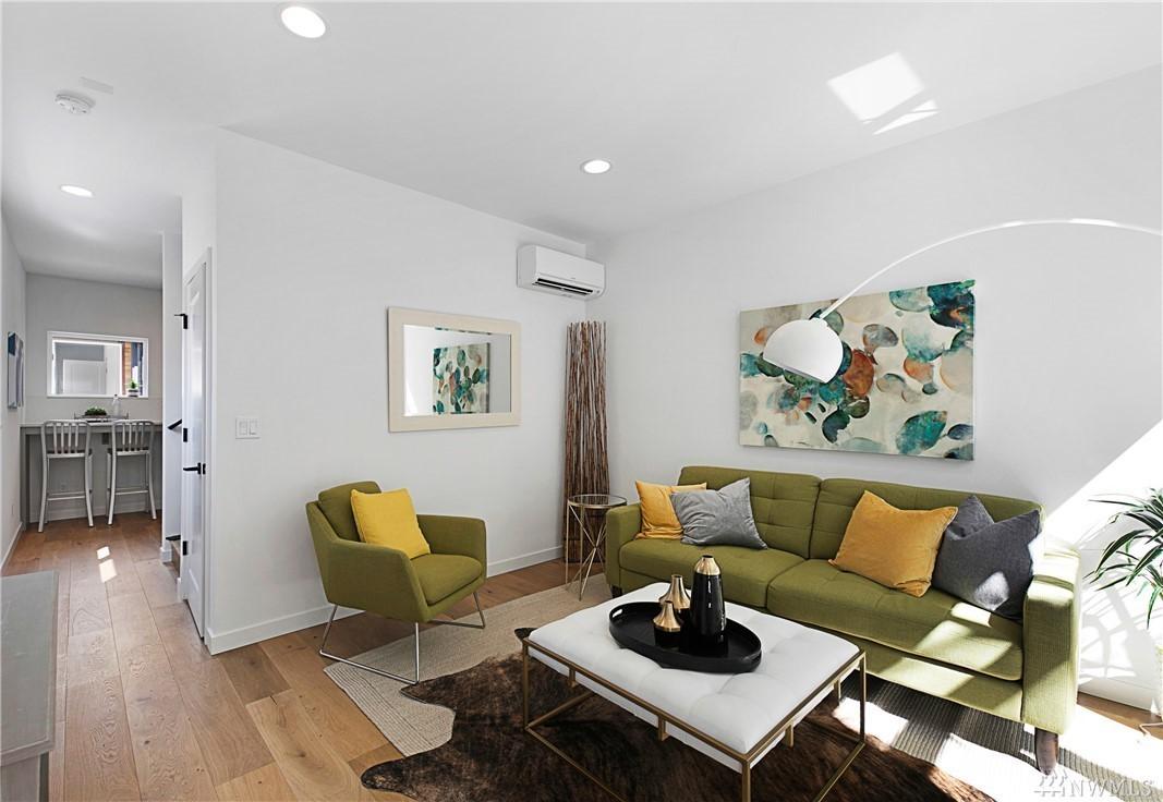 Living Room5.jpg