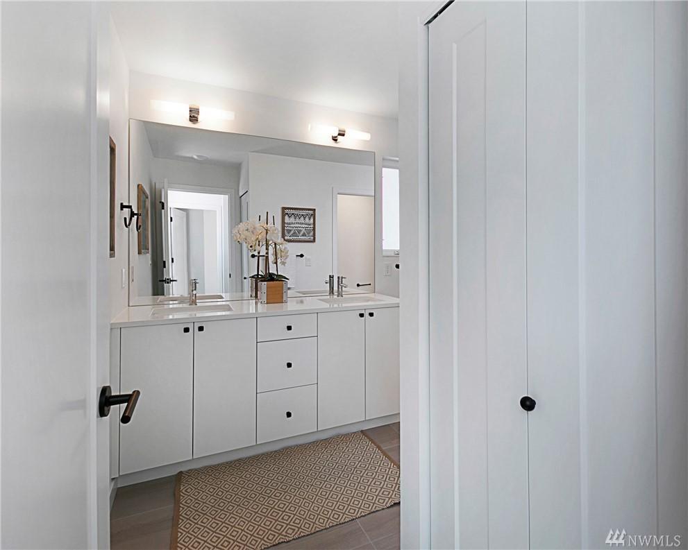 Bathroom_Master1.jpg