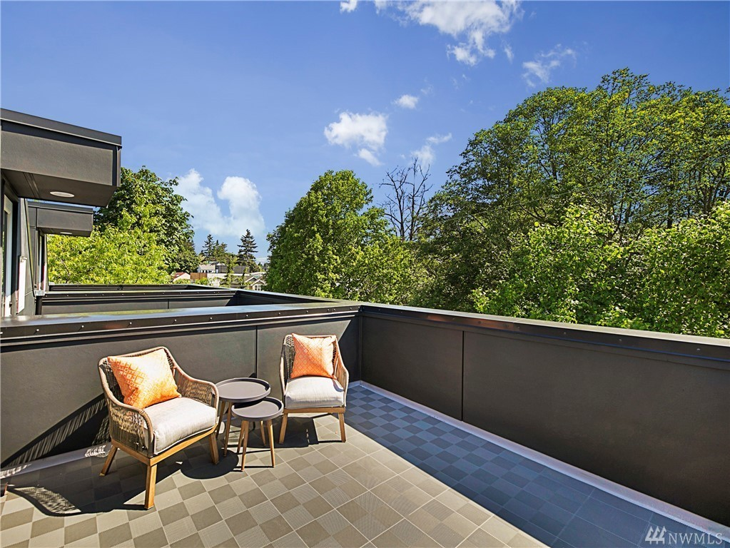 Roof Deck1.jpg