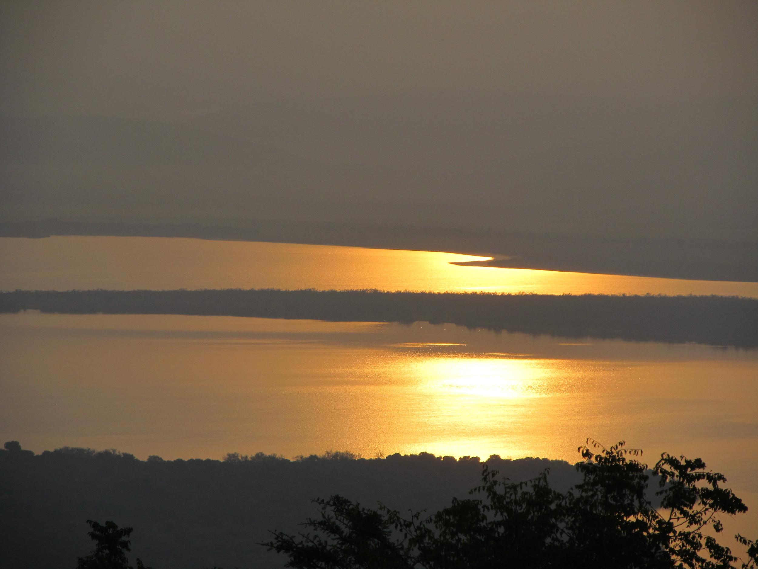 Sunrise over Lake Ihema.