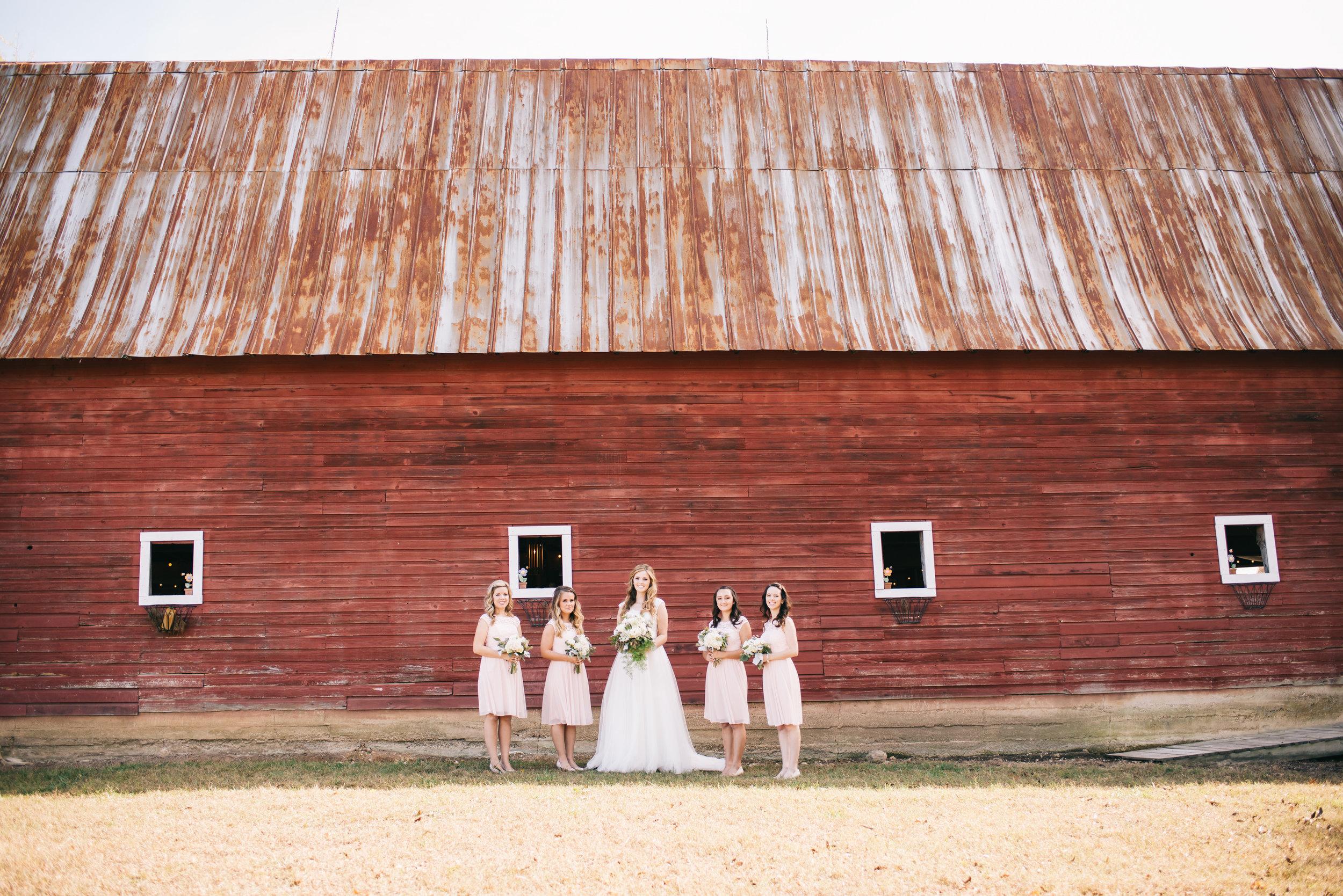 north georgia barn wedding photographer-10.jpg