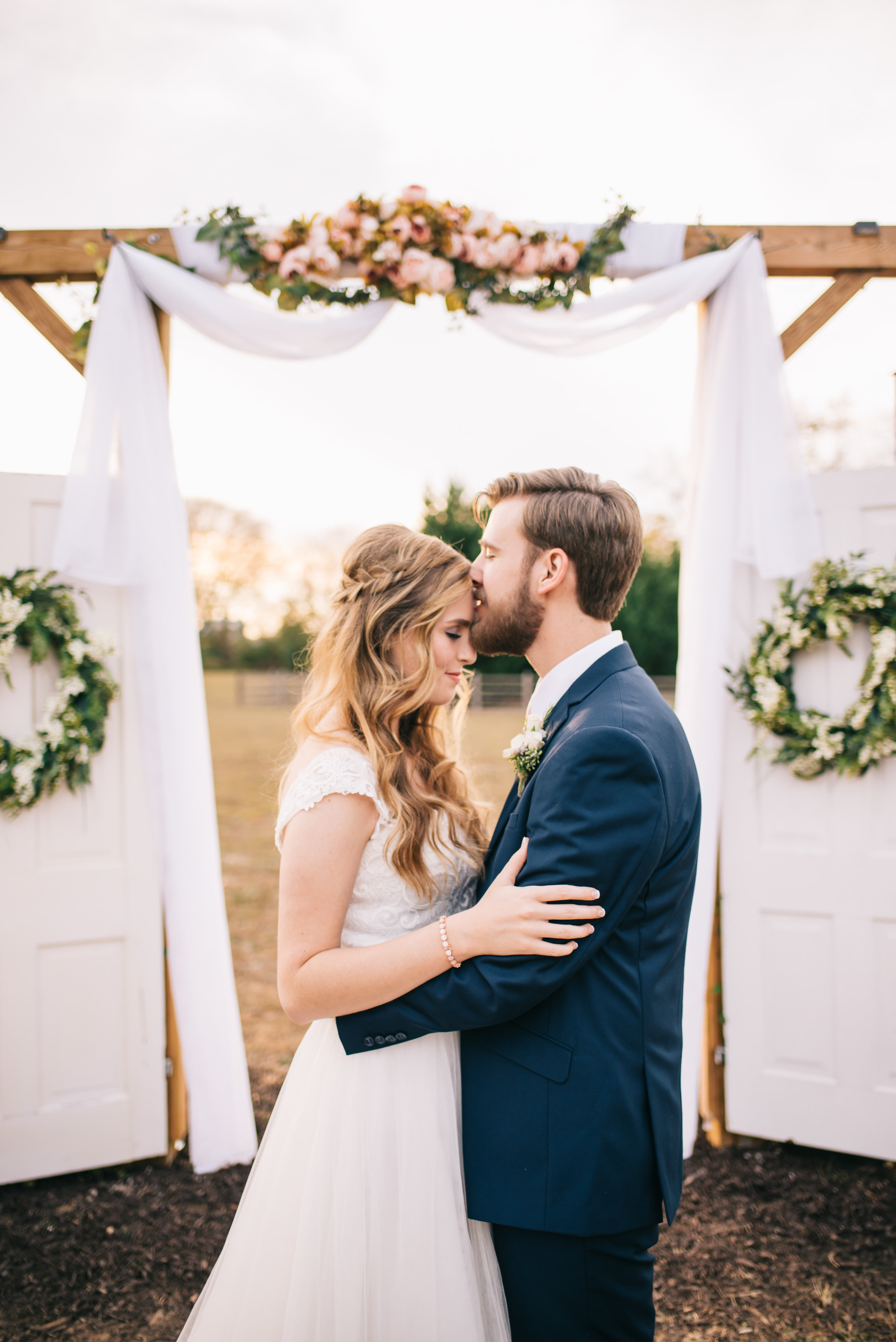 north georgia barn wedding photographer-52.jpg