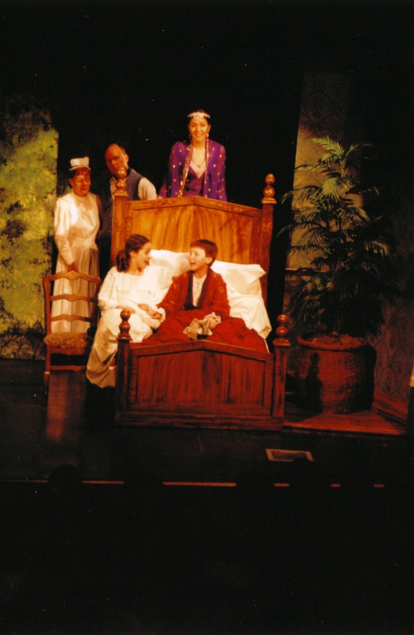 Melissa Peters (Mary Lennox), Scott Morasch (Colin Craven), Maria Zimmermann (Ayah)