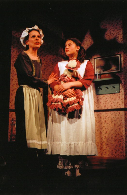 Natalie Grant (Martha),Imogen Wasse (Mary Lennox)
