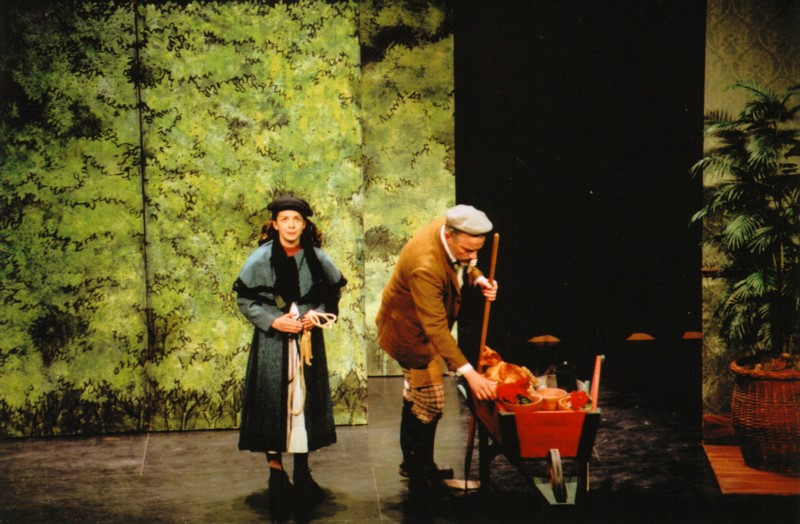 Melissa Peters (Mary Lennox), Robert Bailey (Ben Weatherstaff)
