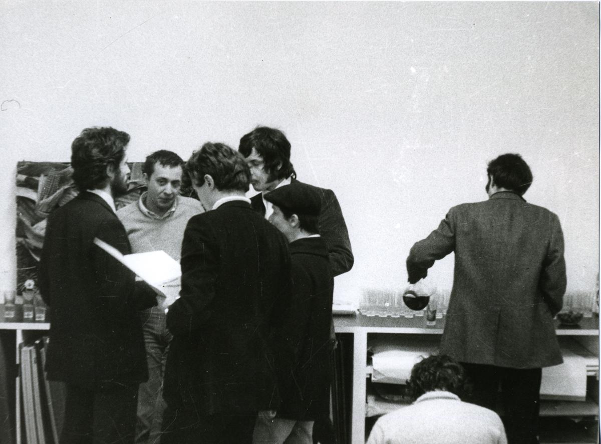 Arte povera 1968 - Calzolari Piacentino Zorio - GALLERIA  DE'FOSCHERARI .jpg