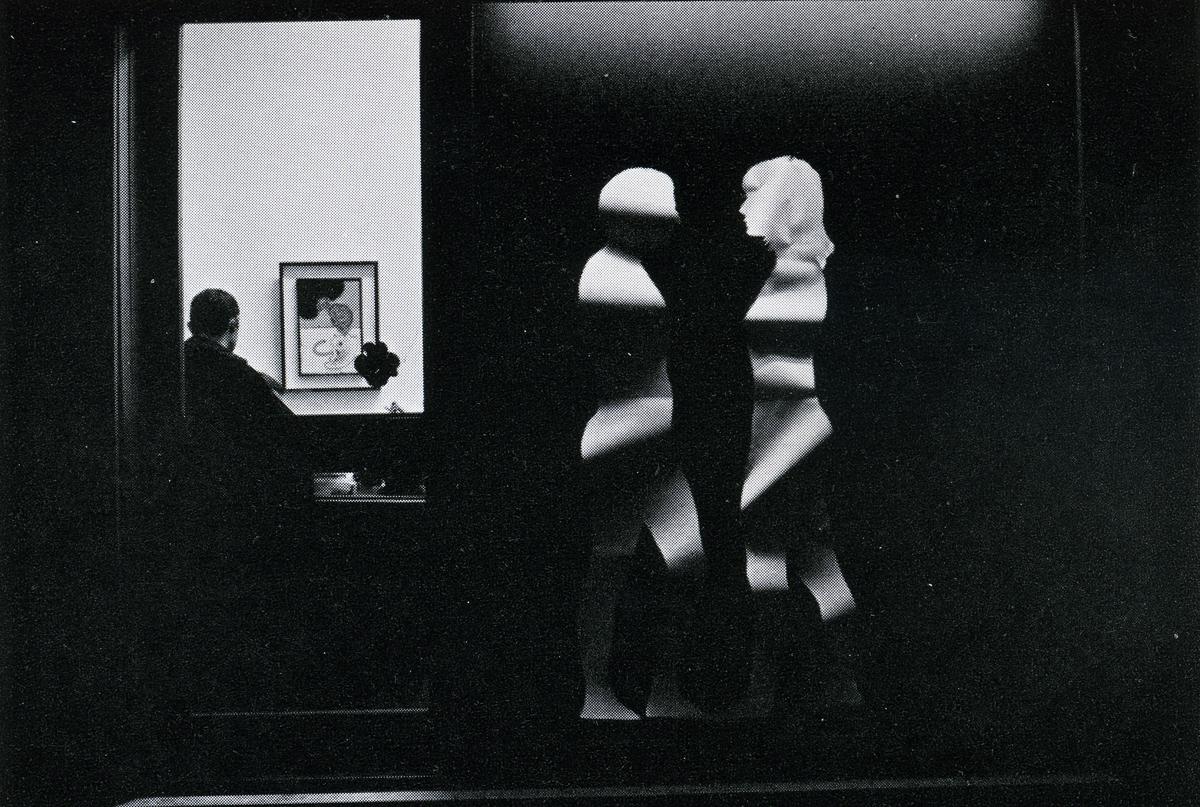 Mario Ceroli 1968 - Aria di Daria - GALLERIA DE ' FOSCHERARI ..jpg