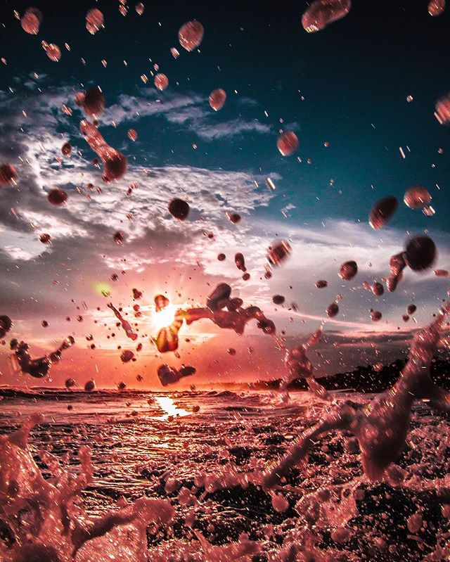 #SummerComin #WaterBaloons 📷@nukeproofsuit