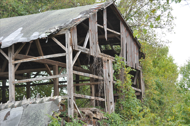 tn_480_The-Barn-in-Marne-Built-circa-1880s.JPG.png