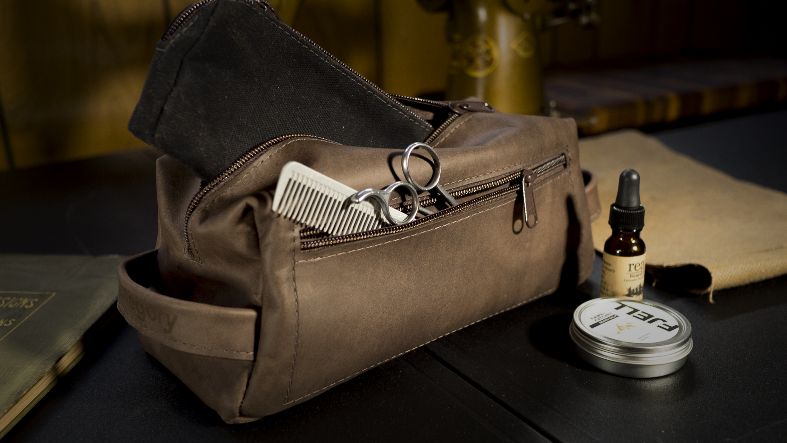 The Perfect Dopp Kit - Waterproof Ecuadorian Latigo Leather. Classic Design. Absurd durability.