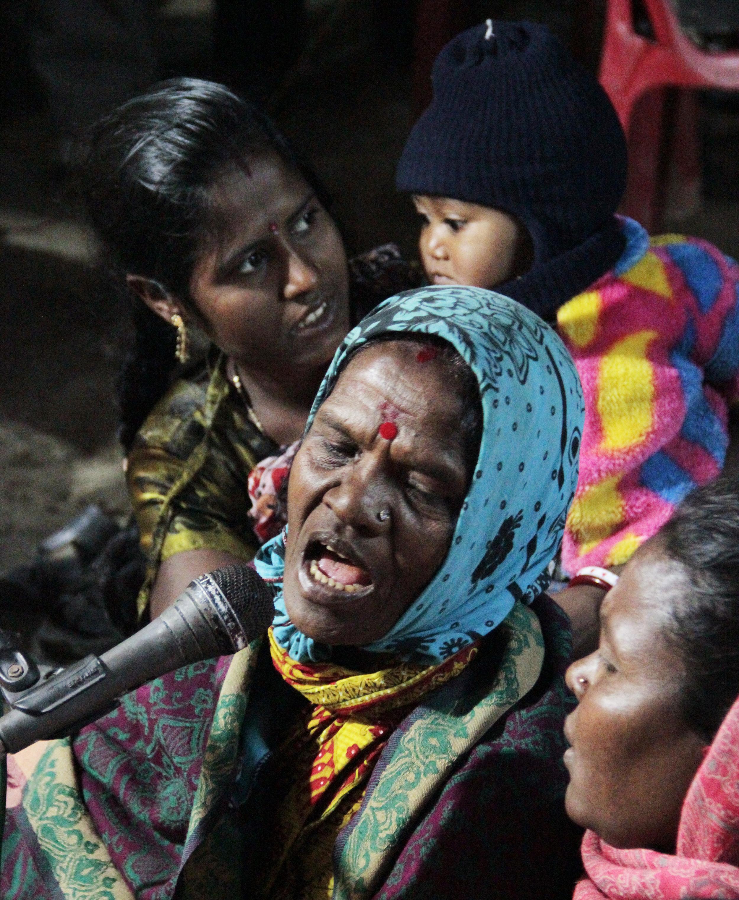 _MG_5675 Adivasi singer © Edith Nicol (R).jpg
