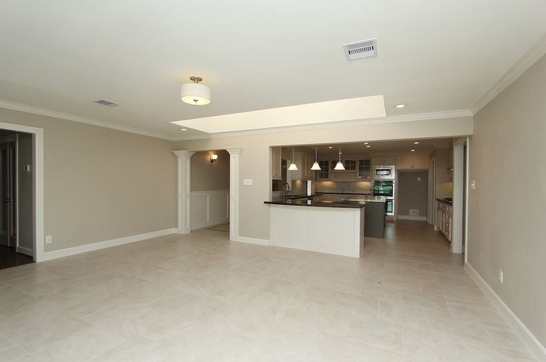 HUGE family living space. I desperately want to finish this room out, it could be so fab.