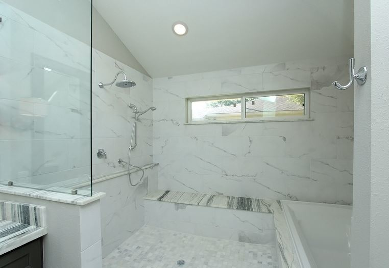 AFTER. Shower and bathtub in the Master Bath.
