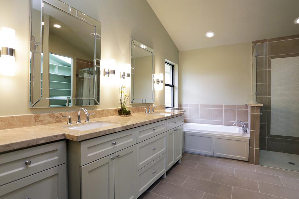 Masterbath Remodel in Houston Texas by Jamie House Design