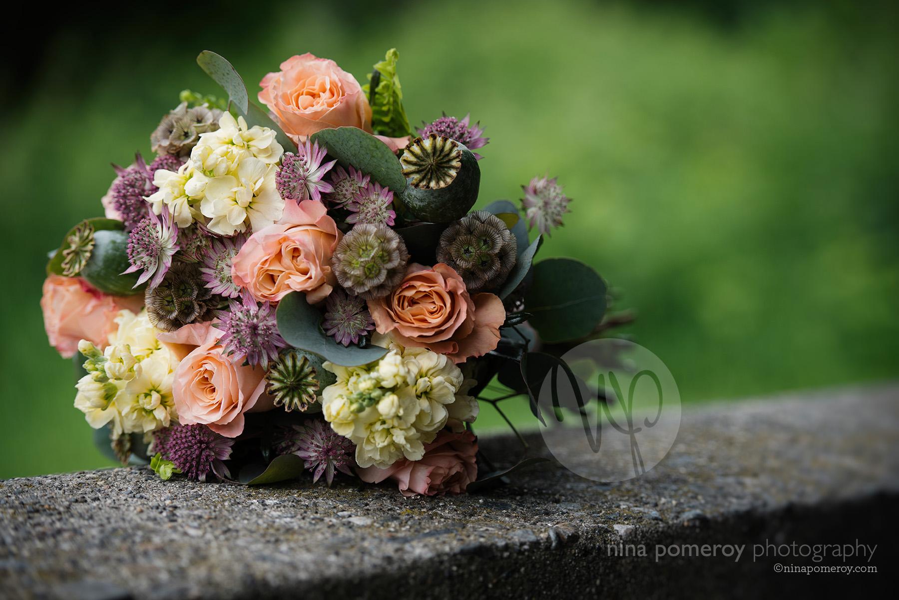 napa vineyard wedding photographer bouquet flowers ninapomeroy.com