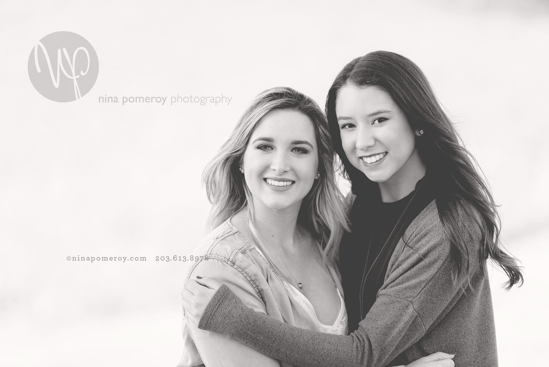best friends together having their senior photos taken in San Ramon by Nina Pomeroy