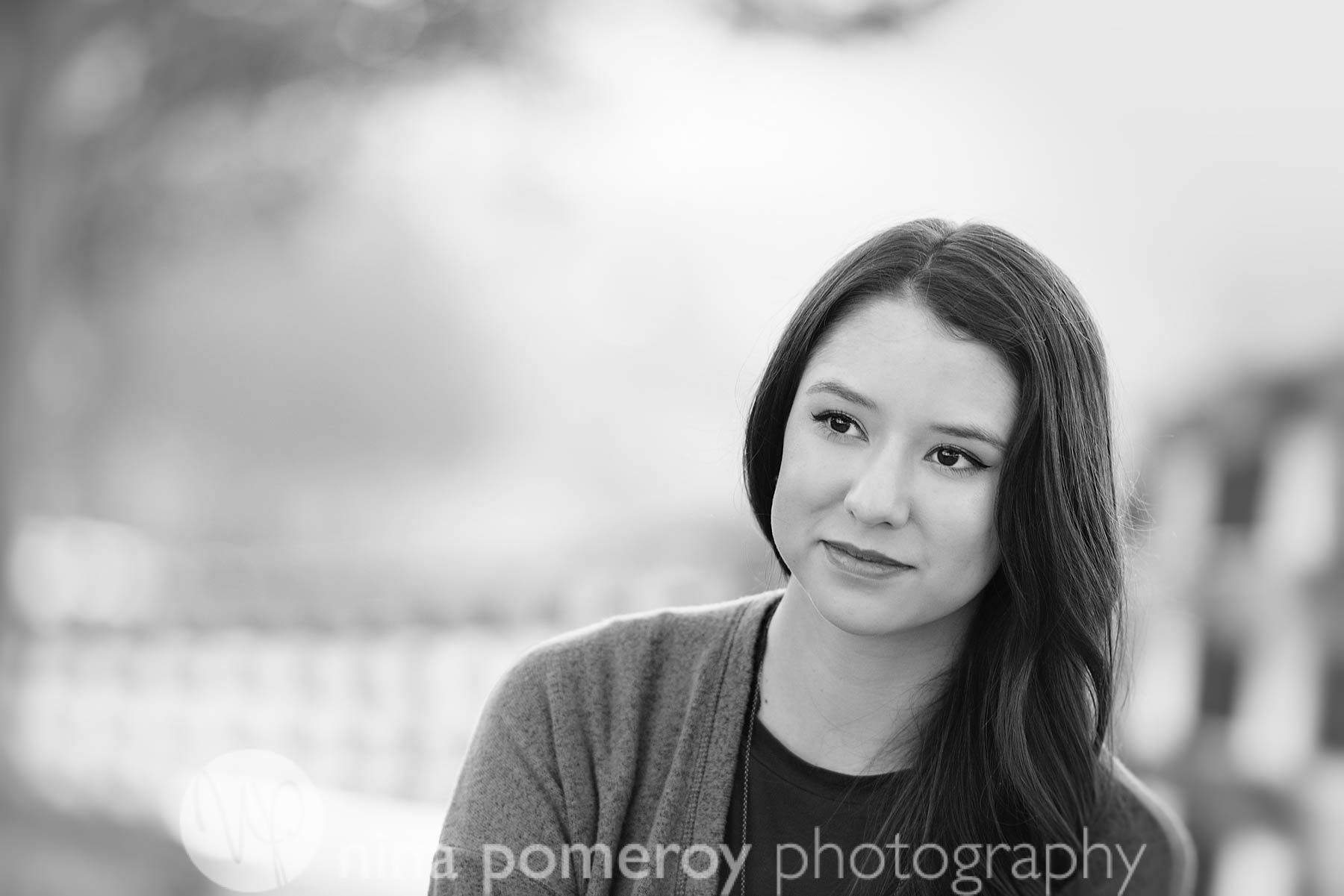 modern black and white girls' senior pictures in Pleasanton CA by Nina Pomeroy