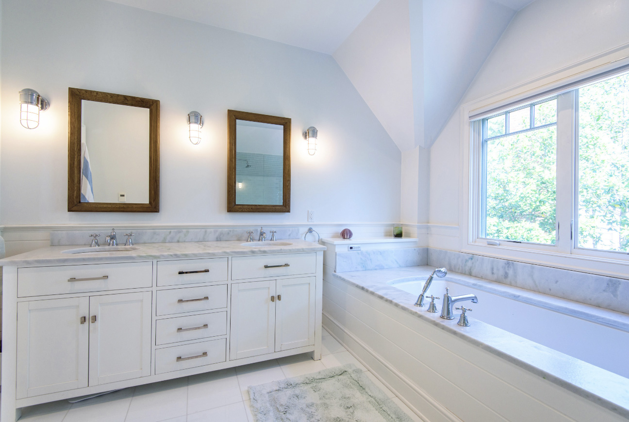 bathroom-photography-nina-pomeroy-danville copy.jpg
