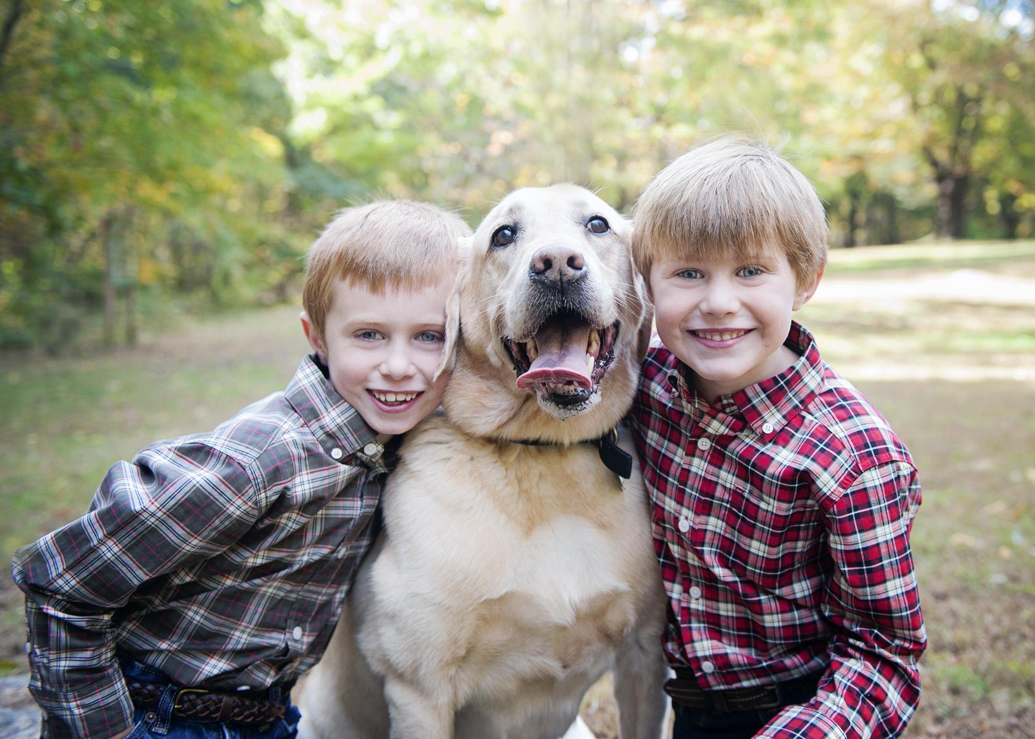 siblings-dog-family-portrait-nina-pomeroy-photographer-danville.jpg