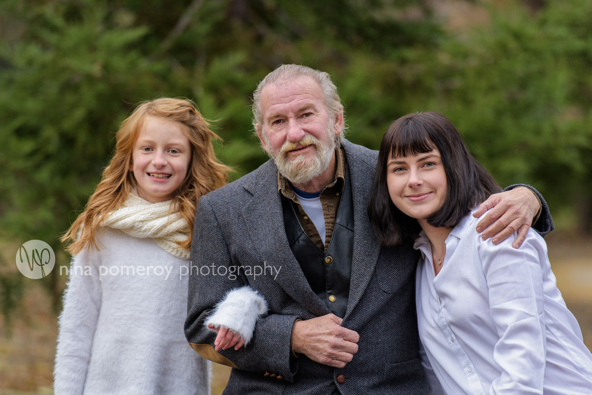 grandpa and grandchildren picture in walnut creek park by nina pomeroy photography