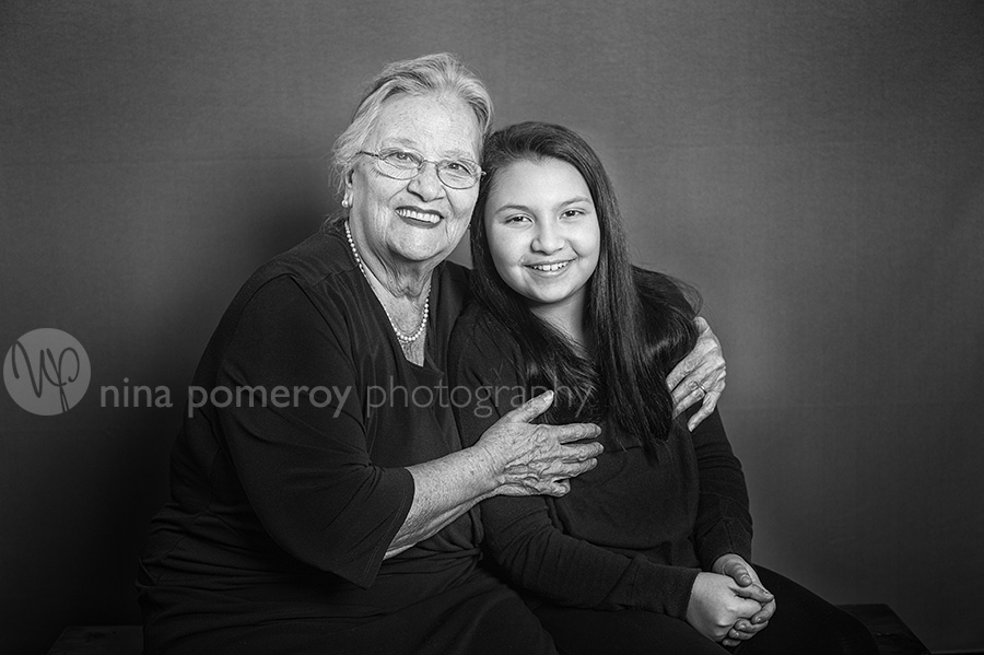 italian-abuela-granddaughter-teen-nina-pomeroy-photographer.jpg