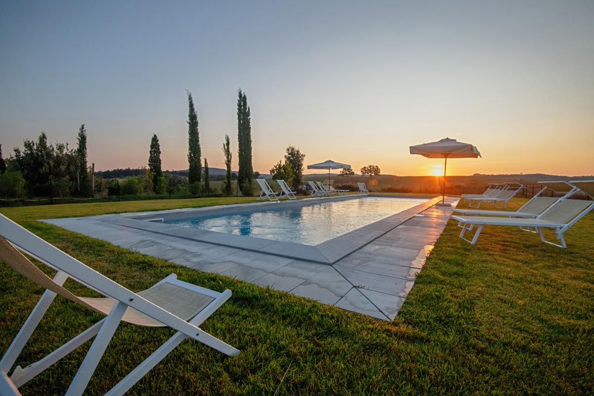 208-ninapomeroyphoto-tuscan-villa-property-photography.jpg