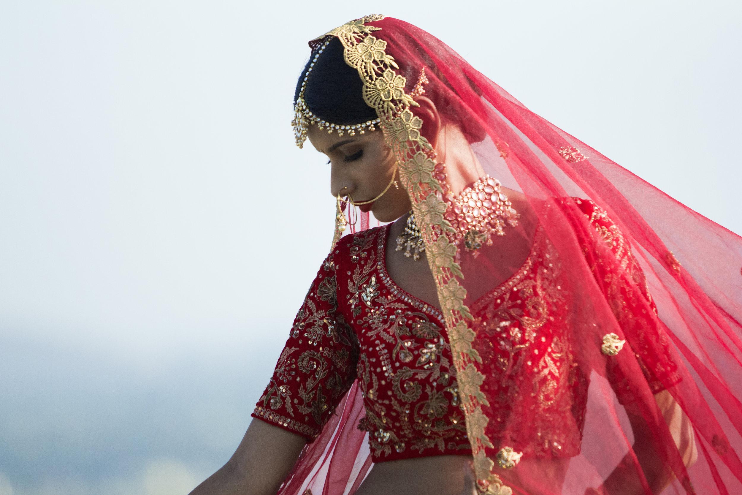 Classic North Indian Bridal Look (20).jpg