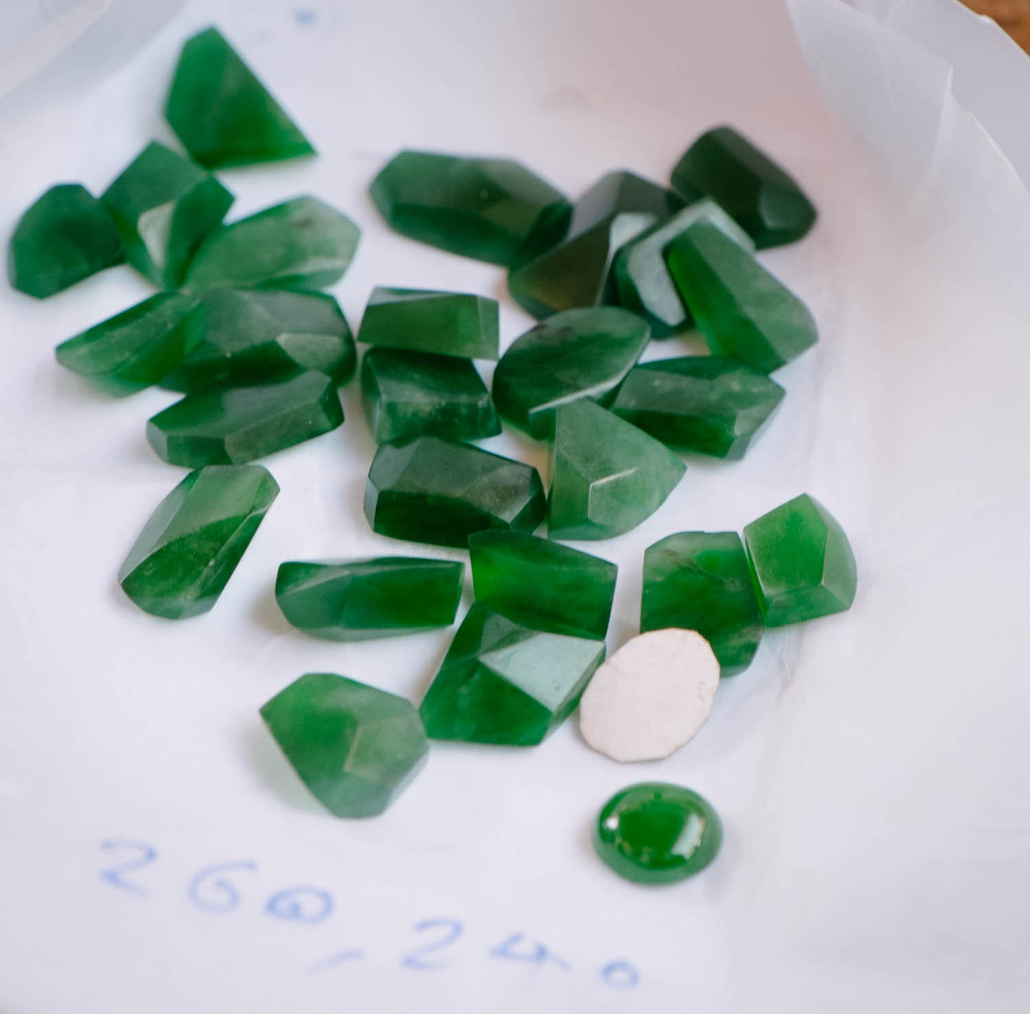 More of the good stuff. Love imperial jade rough. Though as you can see from the price - it doesn't come cheap.