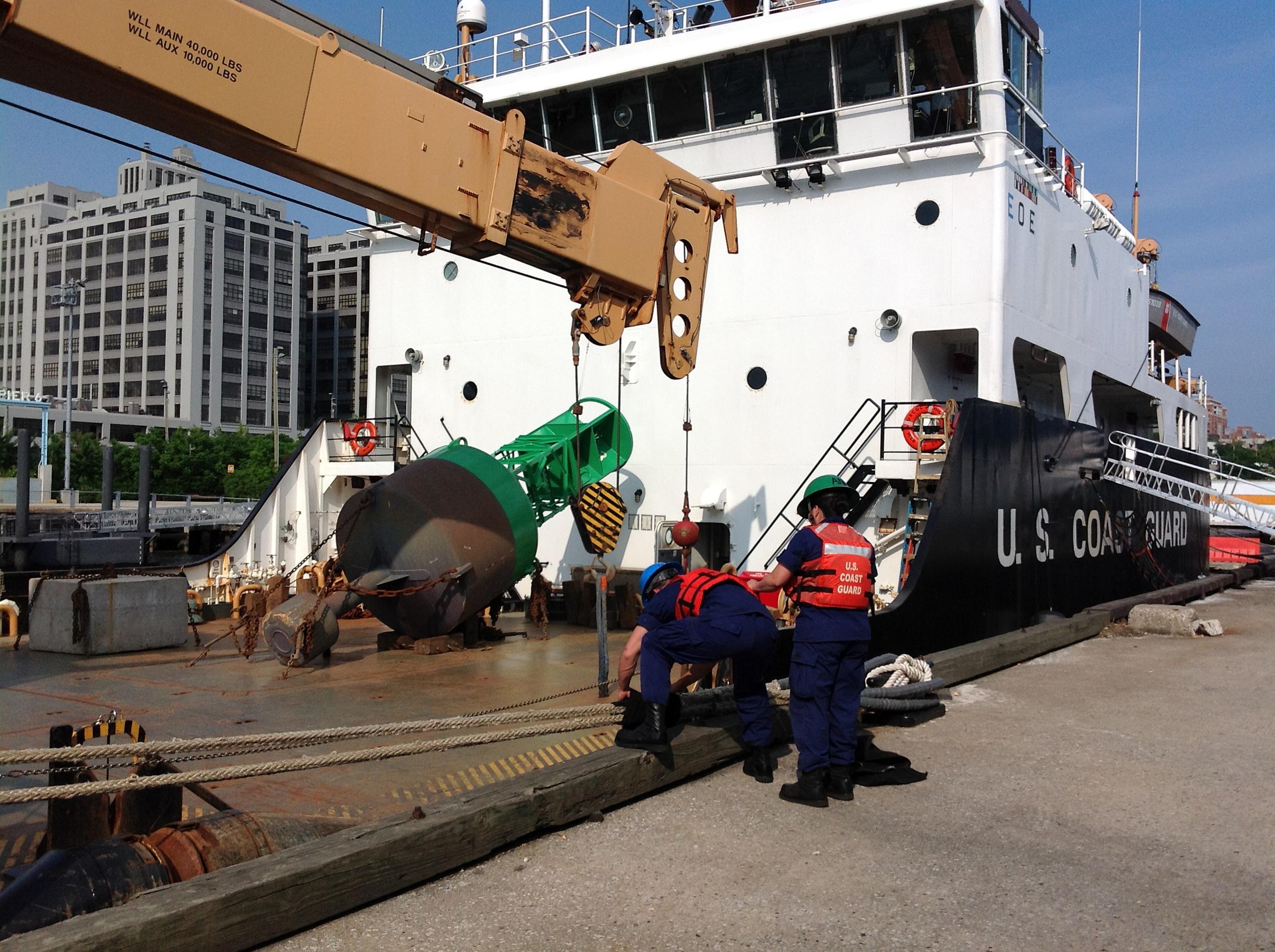 120523 OpSail Red Hook 066.jpg