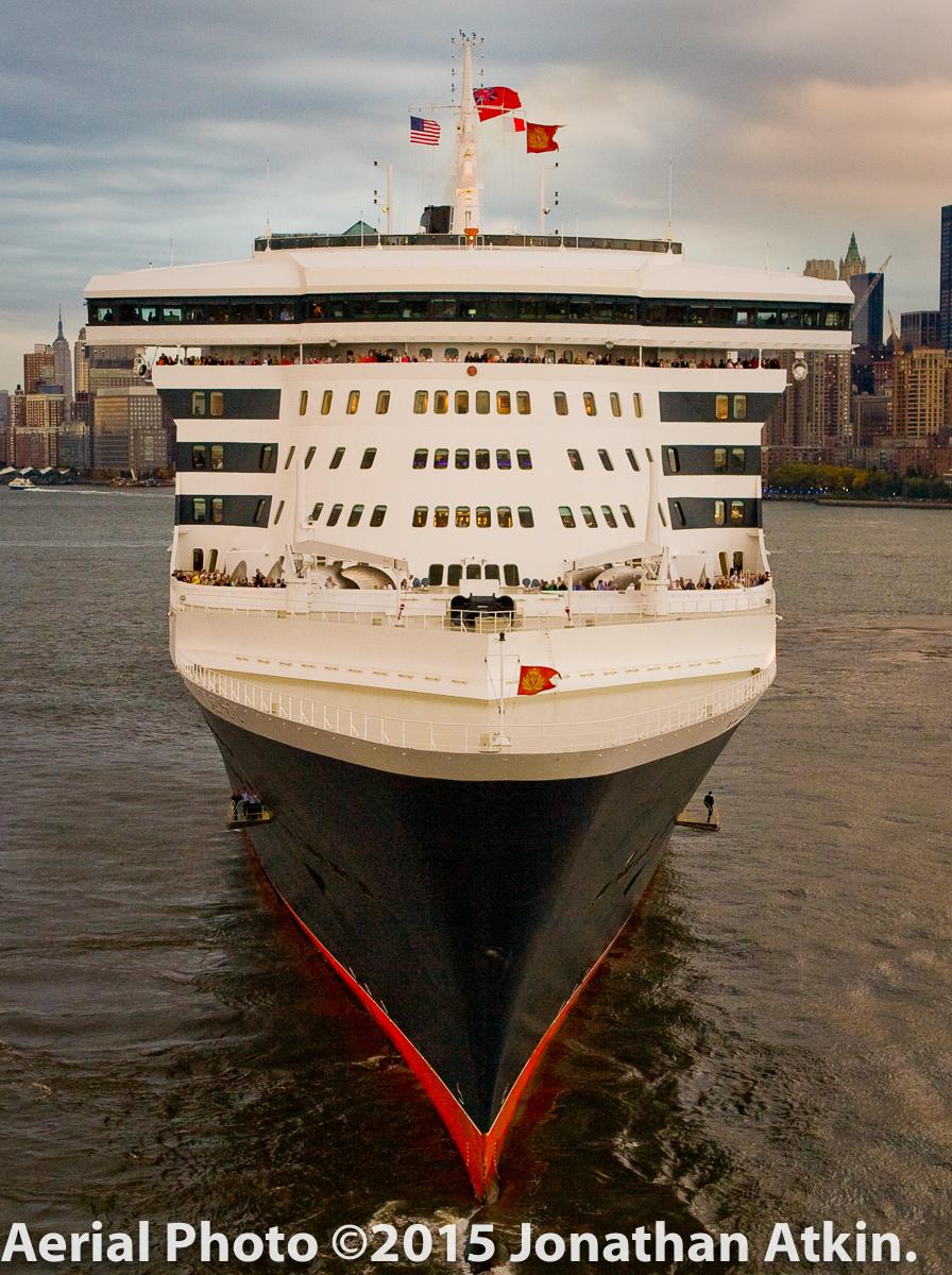Photo by Jonathan Atkin of  www.shipshooter.com . Atkin is on Portside newyork's advisory board.