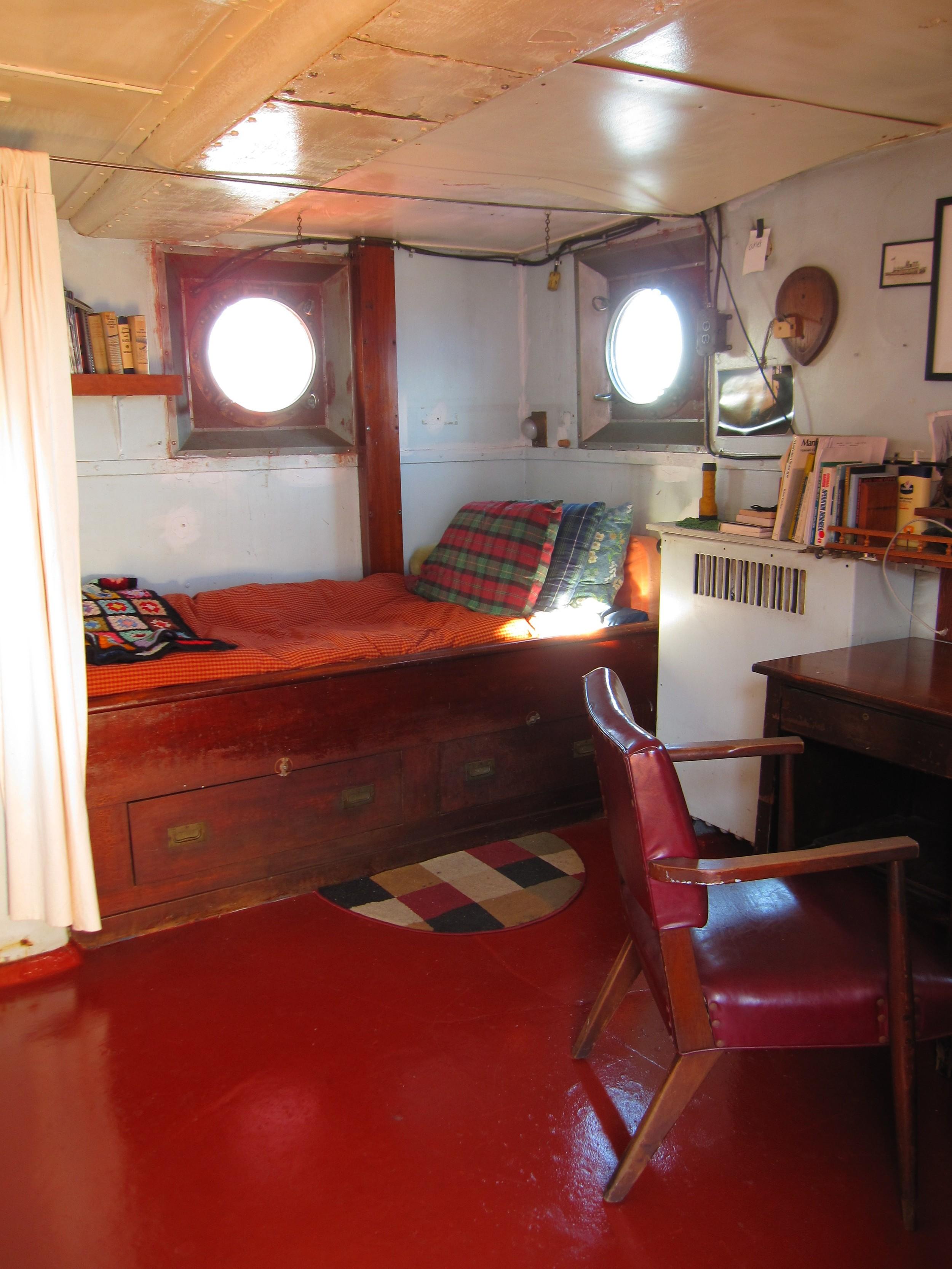 120409 Whalen captains cabin 009.jpg