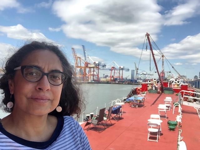 Michella Valladares selfie.jpg