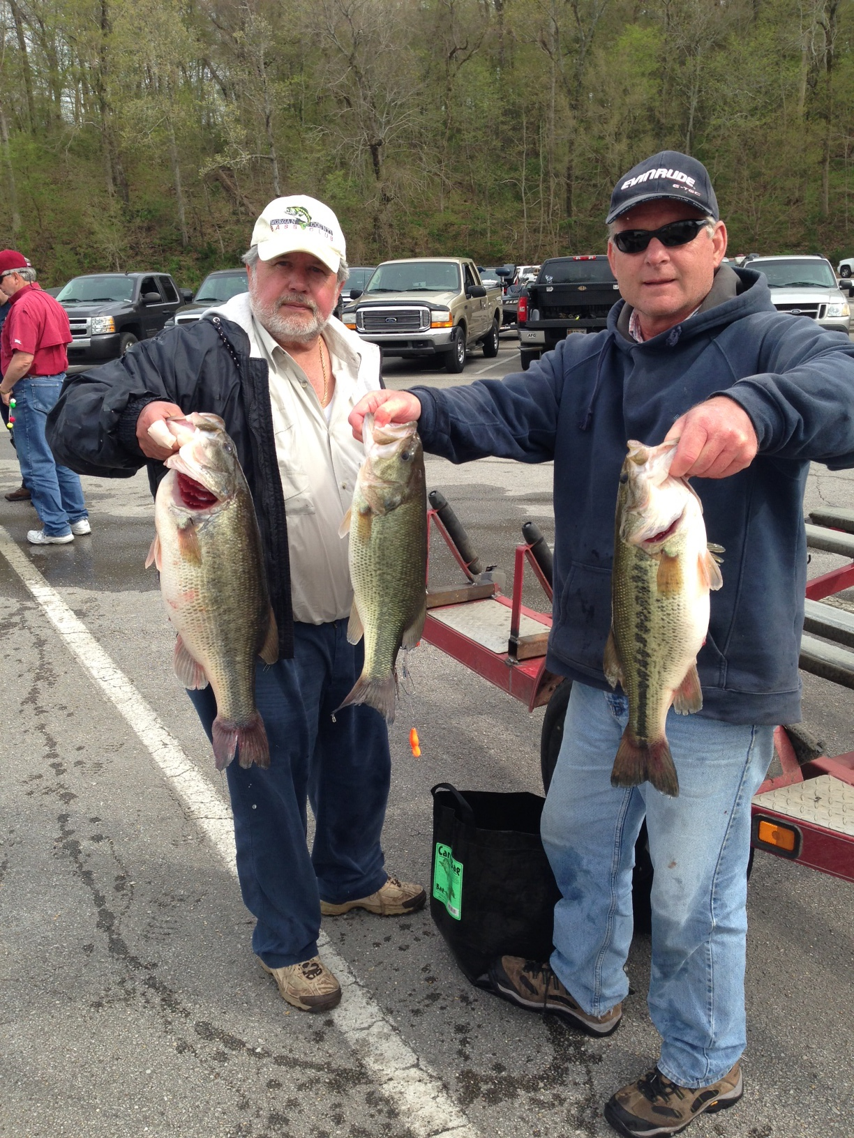 Gary Bordon and Larry Daly with a few fish from their 33.04lbs bag