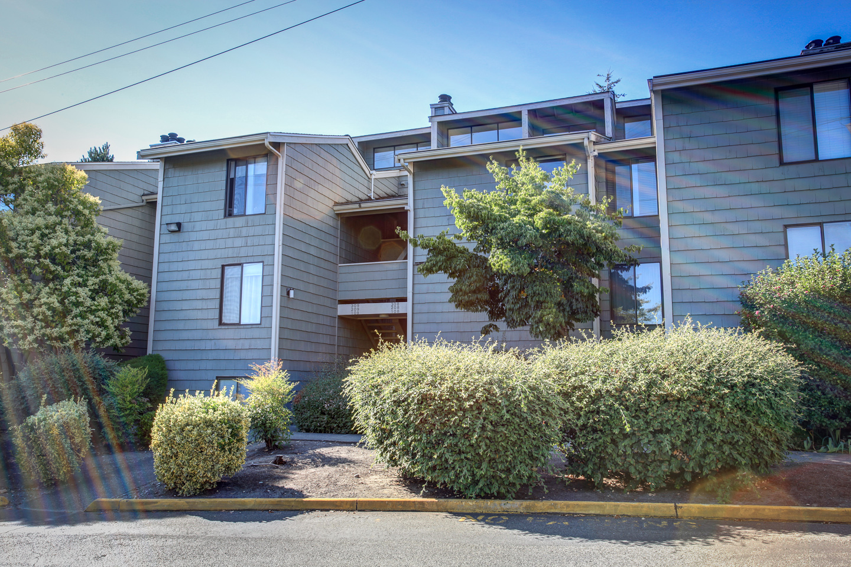 Ballinger Creek Condominiums