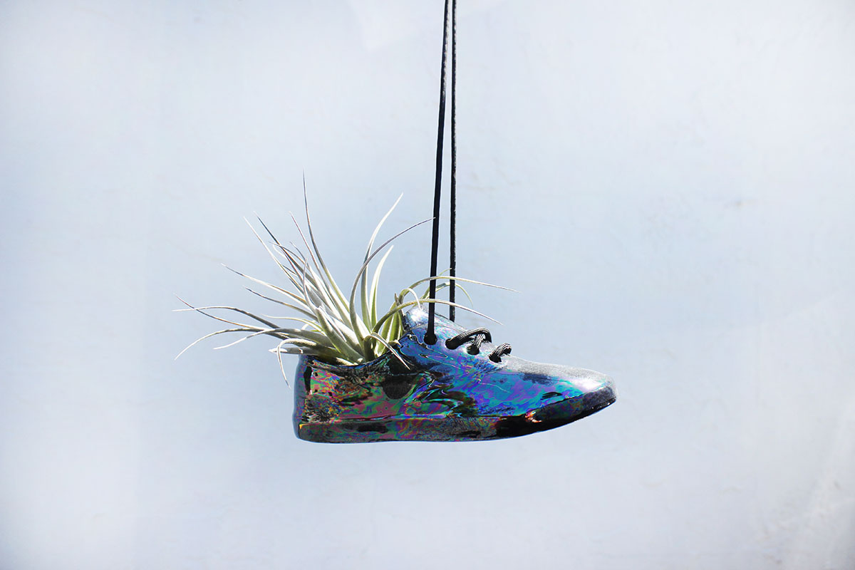 Small Shoe Pot in Black Oil Slick.