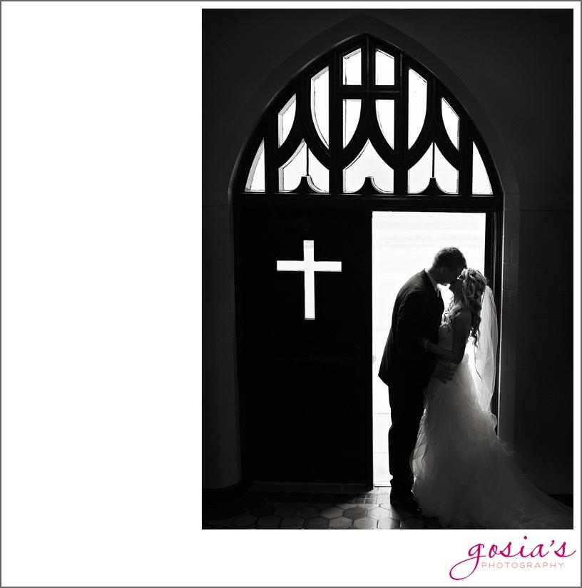 Saint-Joseph-wedding-ceremony-North-Shore-Golf-Club-reception-Menasha-wedding-photographer-Gosias-Photography-Krystle-Ryan-_0019.jpg