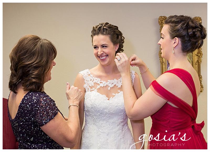 Our-Savior-Lutheran-Church-ceremony-Paper-Valley-Radisson-hotel-reception-wedding-Appleton-photographer-Gosias-Photography-photos-_0002.jpg