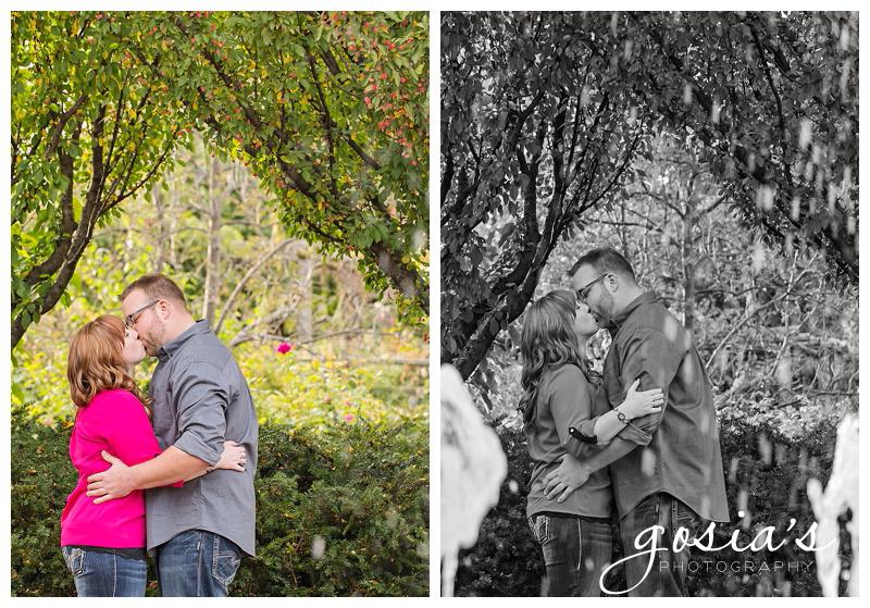 Gosias-Photography-Green-Bay-Botanical-Gardens-engagement-photographer-02