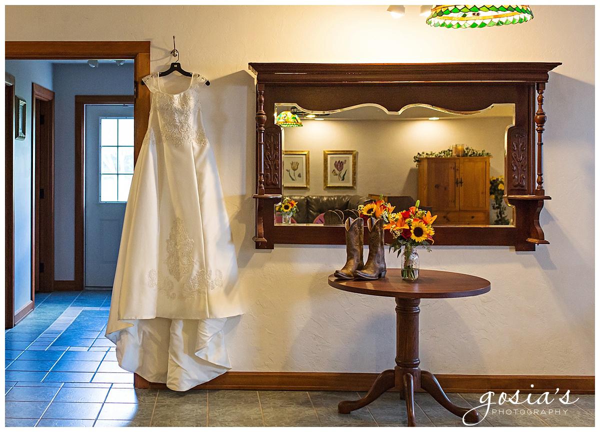 Gosias-Photography-wedding-photographer-Appleton-Homestead-Meadows-outdoor-ceremony-reception-Rachel-Zach-_0002.jpg